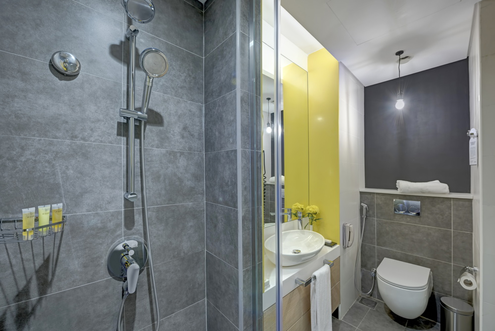 Classic Room - Bathroom view