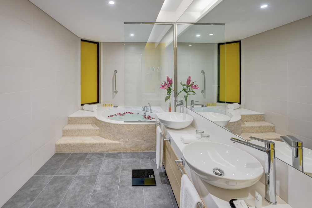 Urban Suite - Master bathroom